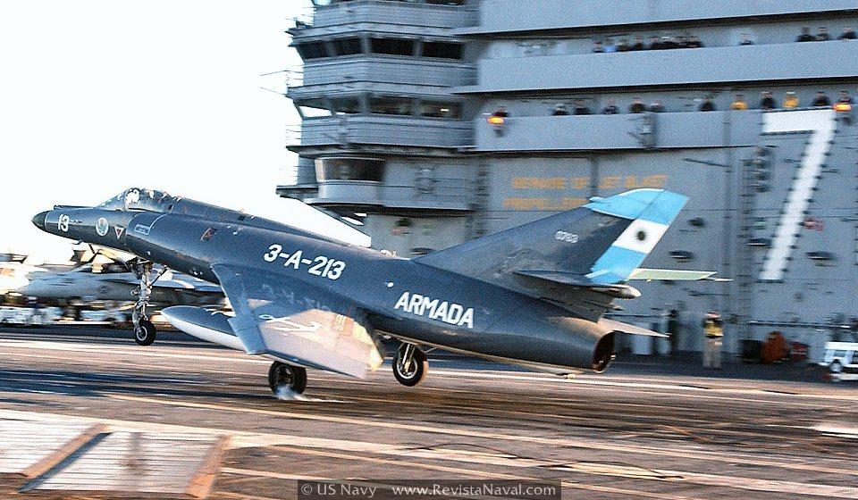 Malvinas: La batalla aeronaval (I)