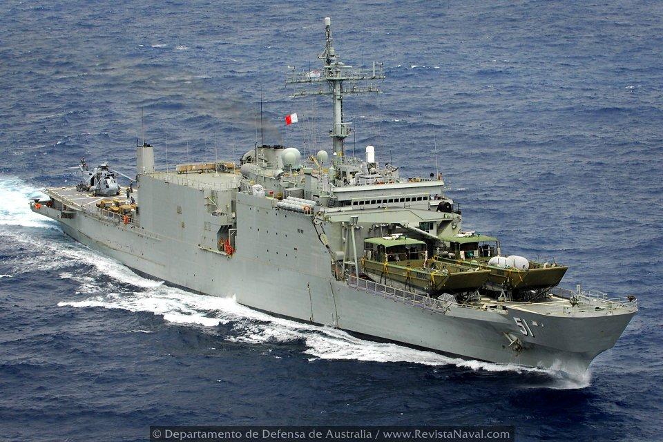 El reconvertido 51 Kanimbla en plena navegación (Foto: Oficial Departamento de Defensa de Australia)