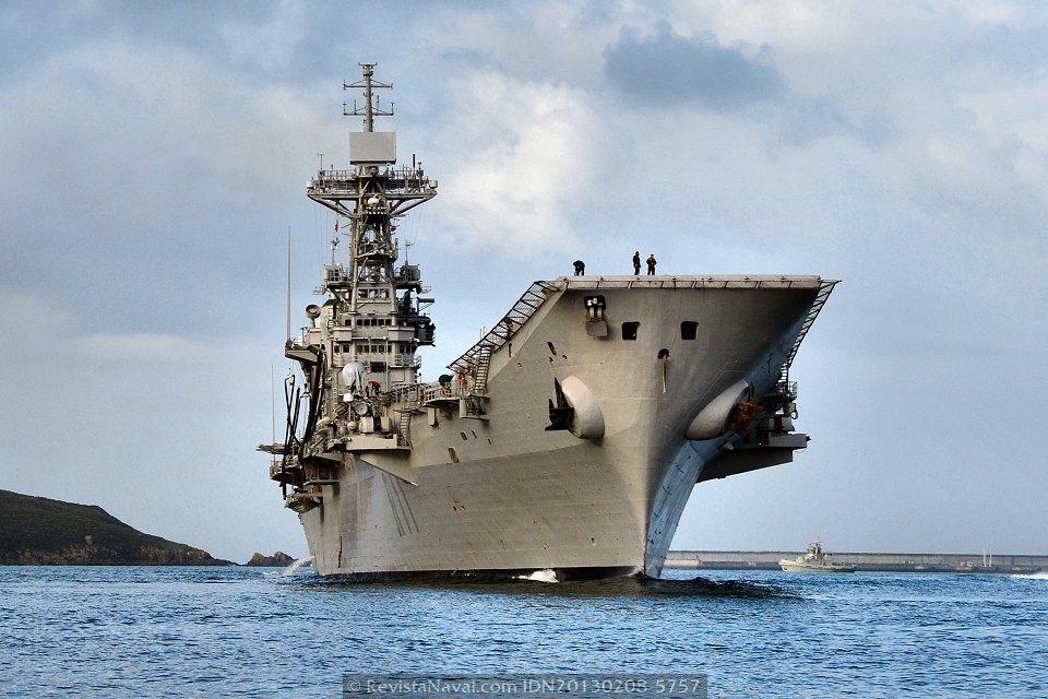 Vista desde la amura de estribor (Foto: Xoán Porto/Revista Naval)