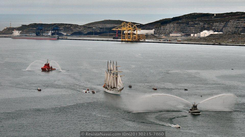 «Elcano» desembarca en Ferrol a la primera promoción del crucero piloto de marinería
