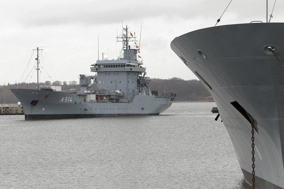 El A-514 «Werra» es uno de los seis tender del Tipo 404 «Elbe» que recibirán los nuevos equipos de comunicaciones (Foto: Ministerio de Defensa de Alemania)