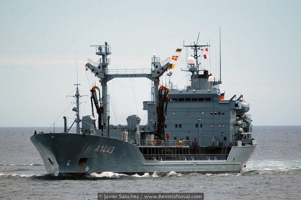Buque de aprovisionamiento «Rhön» A1443 (Foto: Javier Sánchez/Revista Naval)