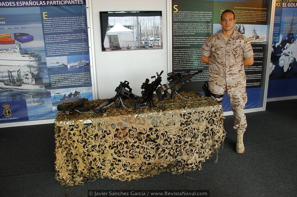 Exposición estática, en esta ocasión dedicada a la seguridad marítima y la lucha contra la piratería (Foto: Javier Sánchez García/Revista Naval)