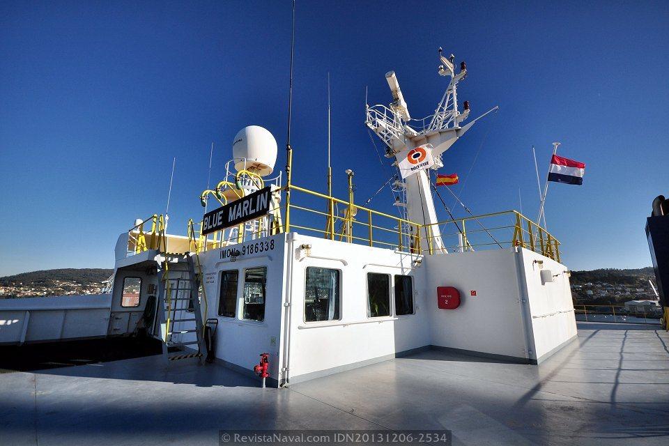 Detalle del exterior del puente de gobierno, como todos los espacios del buque, cuenta con generosas dimensiones (Foto: Rodrigo Díaz Castro/Revista Naval)