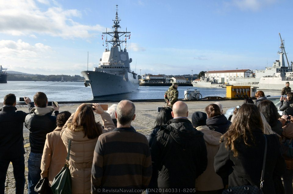 La «Álvaro de Bazán» había zarpado el 4 de octubre de 2013 para asumir el mando de la fuerza naval permanente de la OTAN SNMG-2 (Foto: Revista Naval)