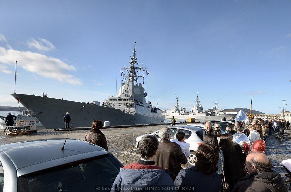 La fragata «Álvaro de Bazán» alojó al Estado Mayor internacional que dirige el contralmirante español Eugenio Díaz del Río desde junio de 2013(Foto: Revista Naval)