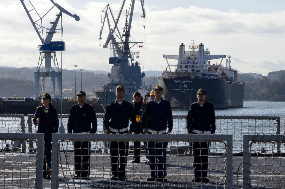 Guardia militar del buque (Foto: Revista Naval)