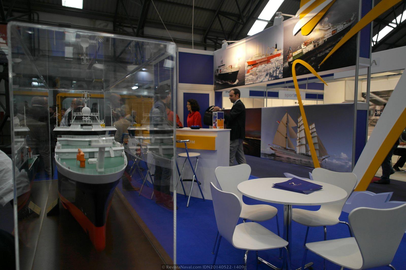 Modelo del RSS Discovery en el estand de Construcciones Navales Paulino Freire (Foto: Revista Naval)
