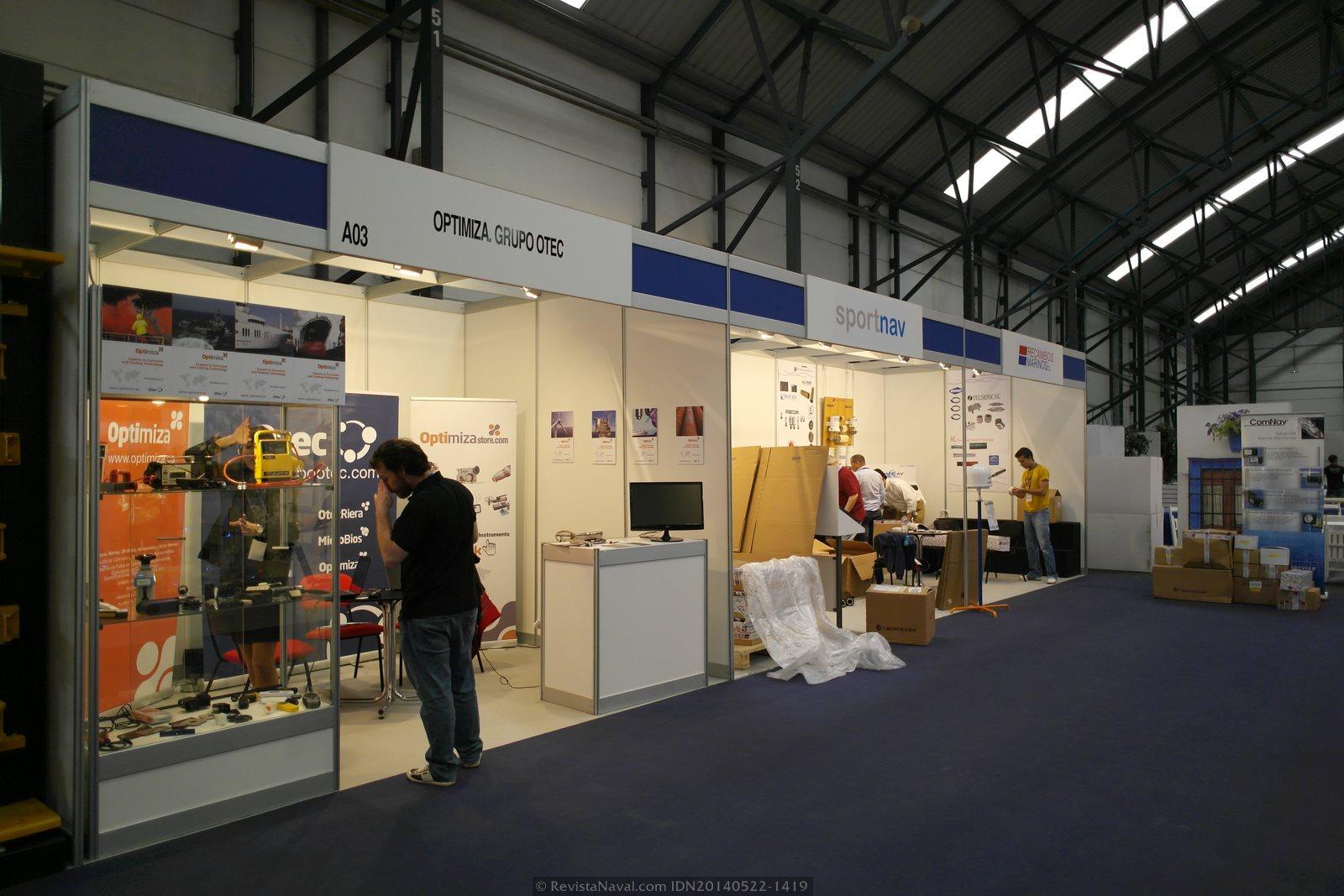 Estands de Optimiza-Grupo OTEc, SportNav y Recambios Marinos SL (Foto: Revista Naval)