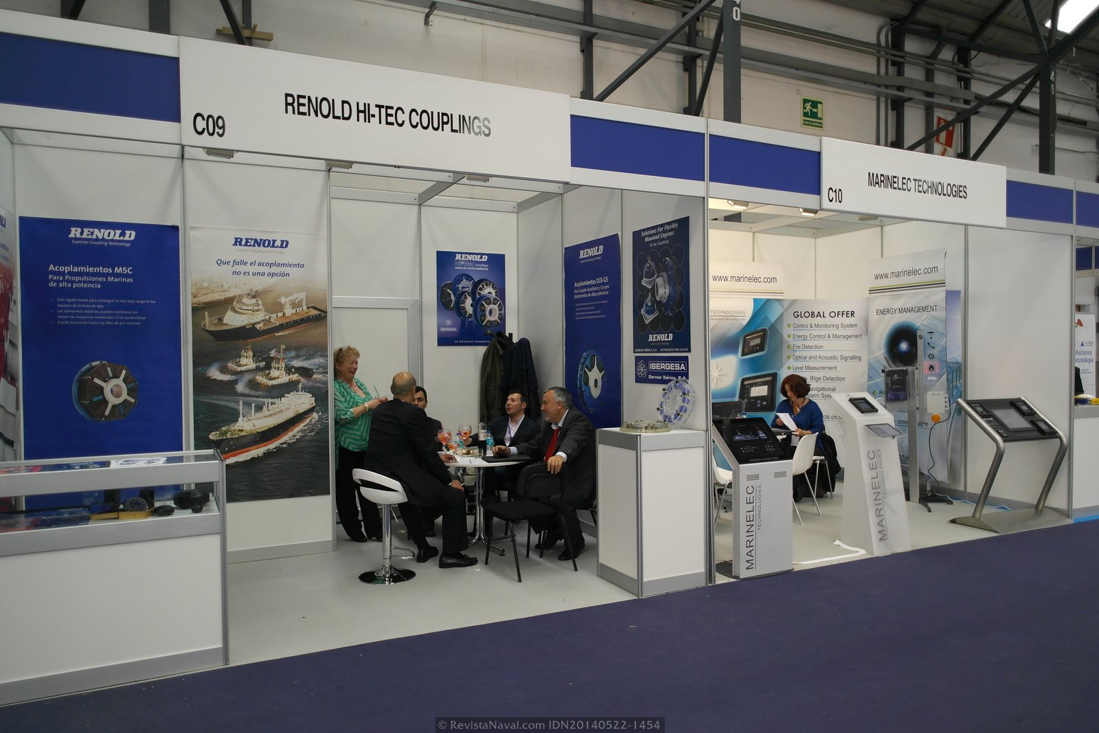 Estands de Renold Hi-Tec Couplings y Marinelec Technologies (Foto: Revista Naval)