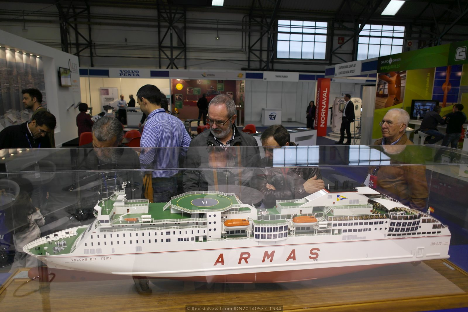 Detalle de un modelo en el estand de HJ Barreras (Foto: Revista Naval)