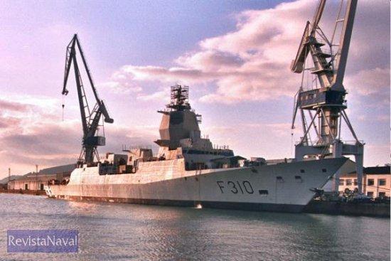 La cabeza de la serie, la F-310 «Fridtjof Nansen» fue botada en junio de 2004 (la imagen es de noviembre de ese mismo año). El buque será entregado el próximo mes de septiembre (Foto: X. Porto/RevistaNaval.com)