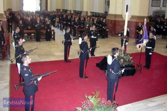El acto tuvo lugar en el Panteón de Marinos Ilustres de San Fernando (Foto: ORP Armada)
