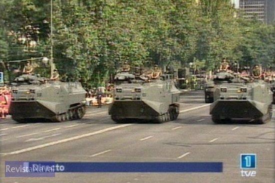 Vehículos AAV de Infantería de Marina durante el desfile de la agrupación mecanizada (Fuente: TVE)