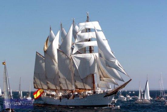 El veterano buque escuela oficiará un año más como embajada flotante de España, en esta ocasión tocando puertos de ambos lados del Atlántico (Foto: Ministerio de Defensa