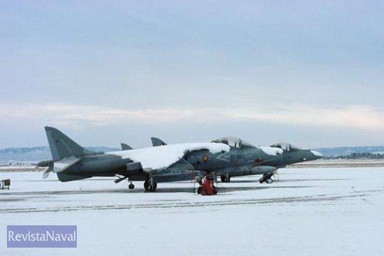 La ola de frío polar que atraviesa España se dejó notar -y de qué forma- sobre los aparatos de la 9ª Escuadrilla destacados no en un aeropuerto escandinavo, sino en en la base aérea de Zaragoza. Y para muestra, esta imagen (Foto: vía Javier Peñuelas)