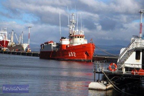 El BIO «Las Palmas» en el puerto de Ushuaia, de donde partió hacia su base en Cartagena, haciendo escala en Baires (Foto: Cortesía de A. Yllera)