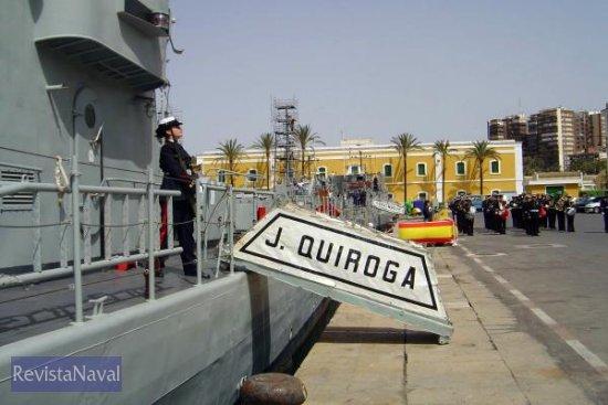 La Guardia de Arsenales toma el control del buque (Foto: Javier Peñuelas González)