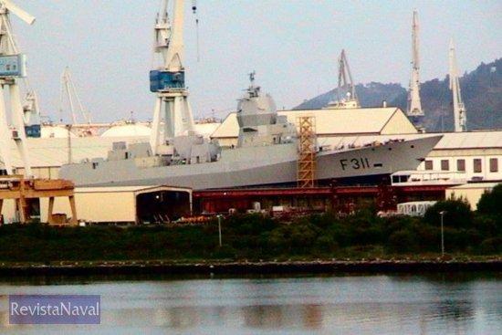 El buque en grada el día antes de su botadura (Foto: RevistaNaval.com)
