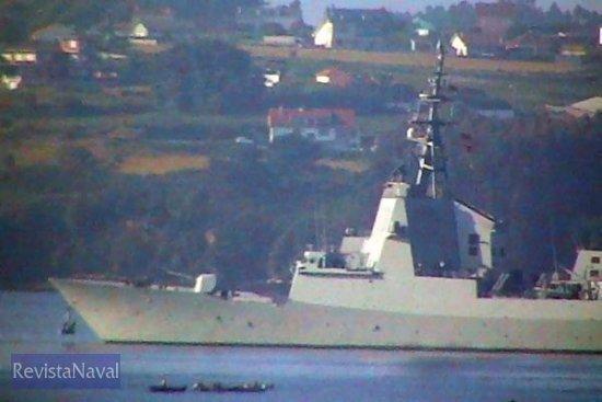 La fina silueta de la F-103 se exhibirá en la revista naval de Portsmouth (Foto: RevistaNaval.com)