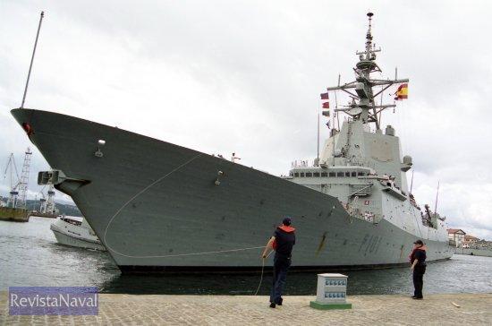 El buque en una imagen retrospectiva, regresando a su base en Ferrol tras un despliegue en el Océano Atlántico (Foto: Revista Naval)