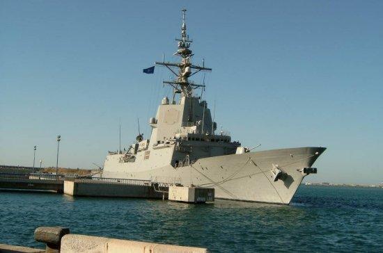 La fragata «Almirante Juan de Borbón» es el buque insignia de la agrupación. Se trata de la primera vez que un buque de la clase F-100 se integra en una agrupación permanente de la OTAN (Foto: © Neill Rush)