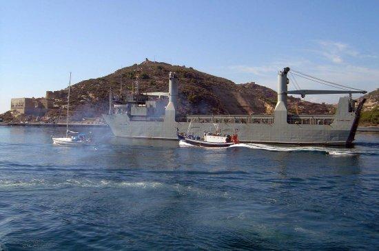 Se inicia la persecución «en caliente» por parte de la «fuerza de bloqueo» (Foto: Javier Peñuelas/Revista Naval)