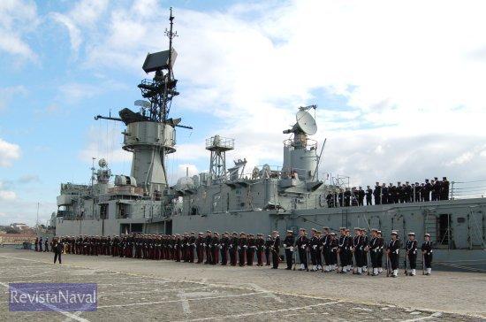 El acto de baja de la fragata «Andalucía» tuvo lugar a las 13.00 horas en el Arsenal de Ferrol (Foto: Fernando Rivera/Revista Naval)