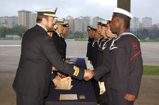Entrega de diplomas (Fuente: Armada)