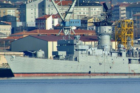 La fragata «Cataluña» en los muelles de Navantia Ferrol, a donde fue trasladada en los últimos días (Foto: Revista Naval)