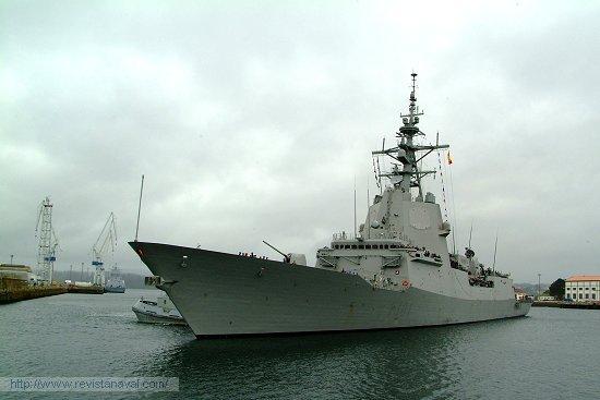 El buque culmina así un despliegue de cuatro meses en los que ha circunnavegado el planeta (Foto: Revista Naval)