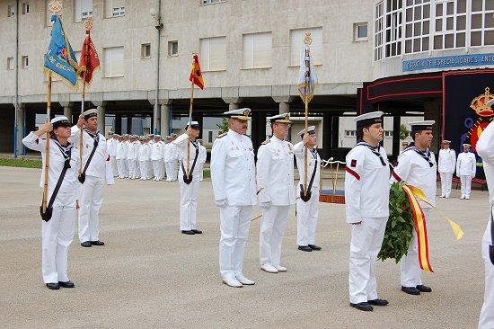 Ofrenda a los caidos (Foto: Armada)
