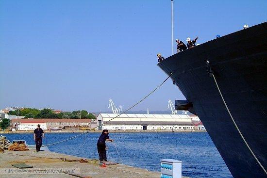 Maniobra de atraque (Foto: Revista Naval)