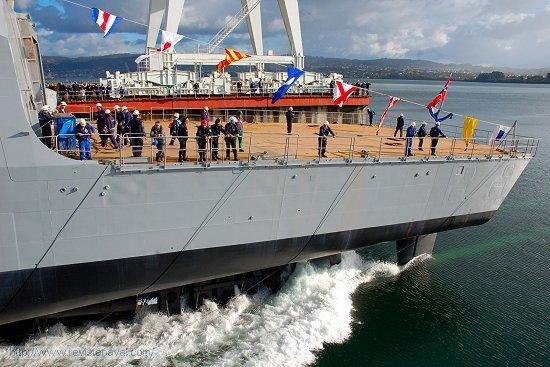 Secuencia de la maniobra de lanzamiento de la fragata F-313 «Helge Ingstad» (Foto: Revista Naval)