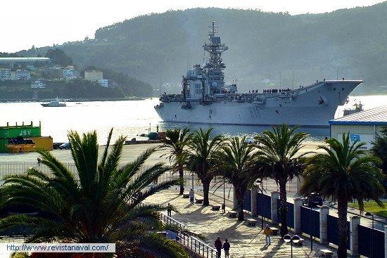 En esta ocasión el buque no atracó en el arsenal militar (Foto: Xoán Porto/Revista Naval)