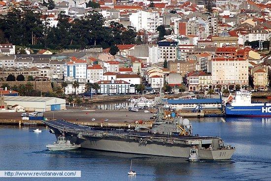 El portaaviones «Príncipe de Asturias» permanecerá en la ciudad hasta el próximo viernes, día 8 de febrero (Foto: Fernando Rivera/Revista Naval)