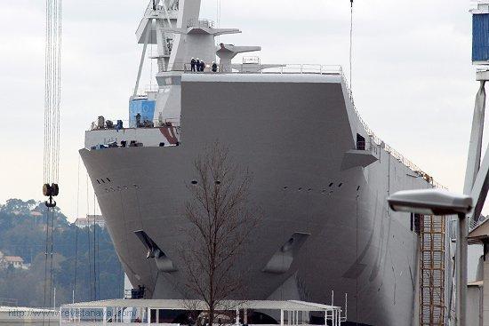 Ultimando los trabajos previos a la ceremonia de botadura (Foto: Revista Naval)