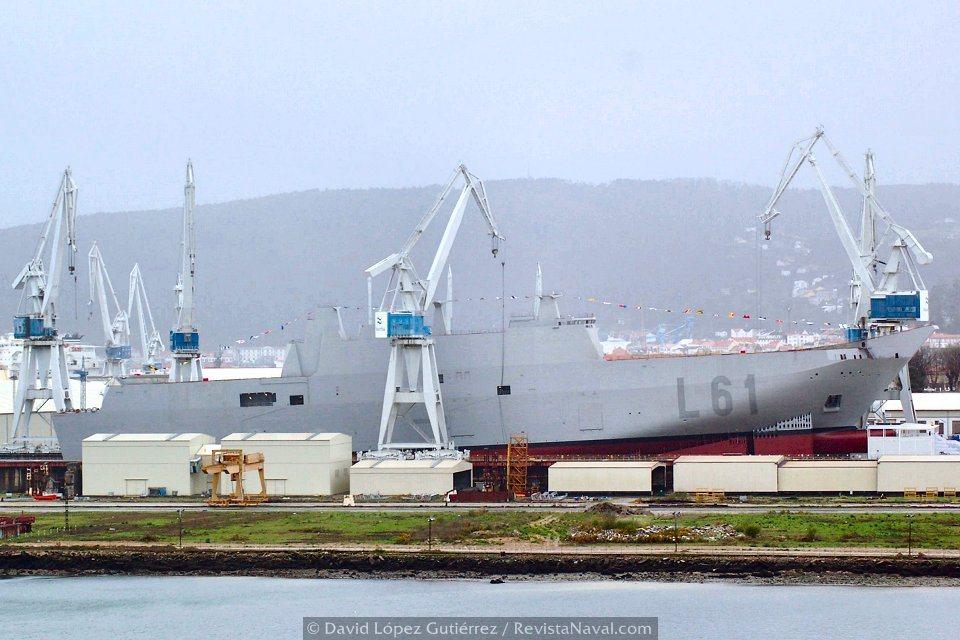 Mañana del 10 de marzo de 2008. En el astillero de Ferrol ultiman los preparativos para la botadura del L61 «Juan Carlos I» (Foto: Xoán Porto/Revista Naval)