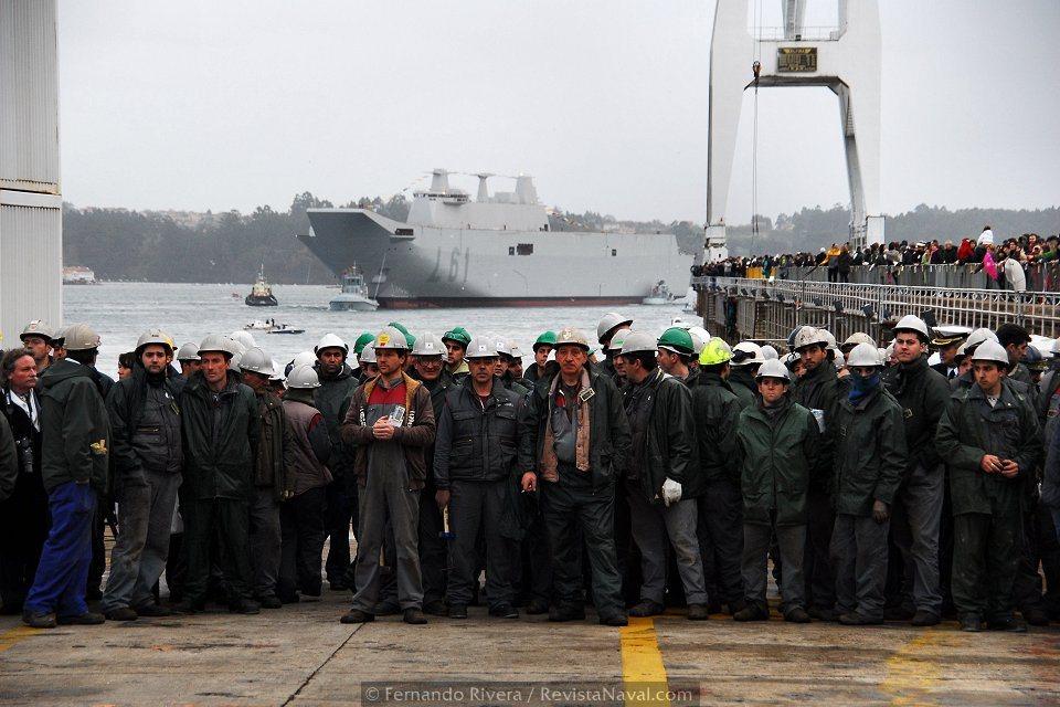 Esta imagen parece simbolizar el fruto del esfuerzo de miles de trabajadores del naval ferrolano (Foto: Fernando Rivera/Revista Naval)