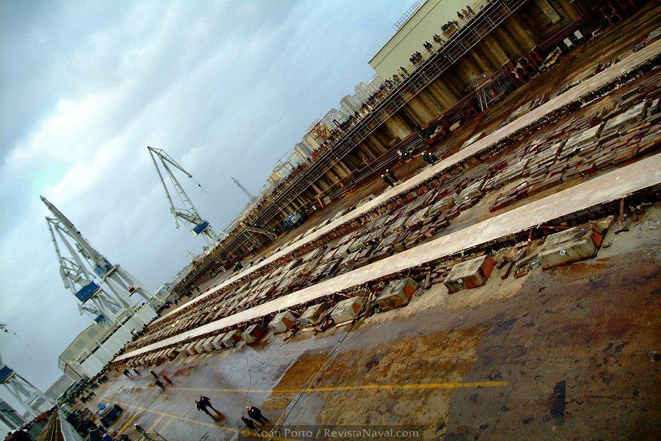 La grada vacía del astillero no permanecerá así durante mucho tiempo (Foto: Xoán Porto/Revista Naval)