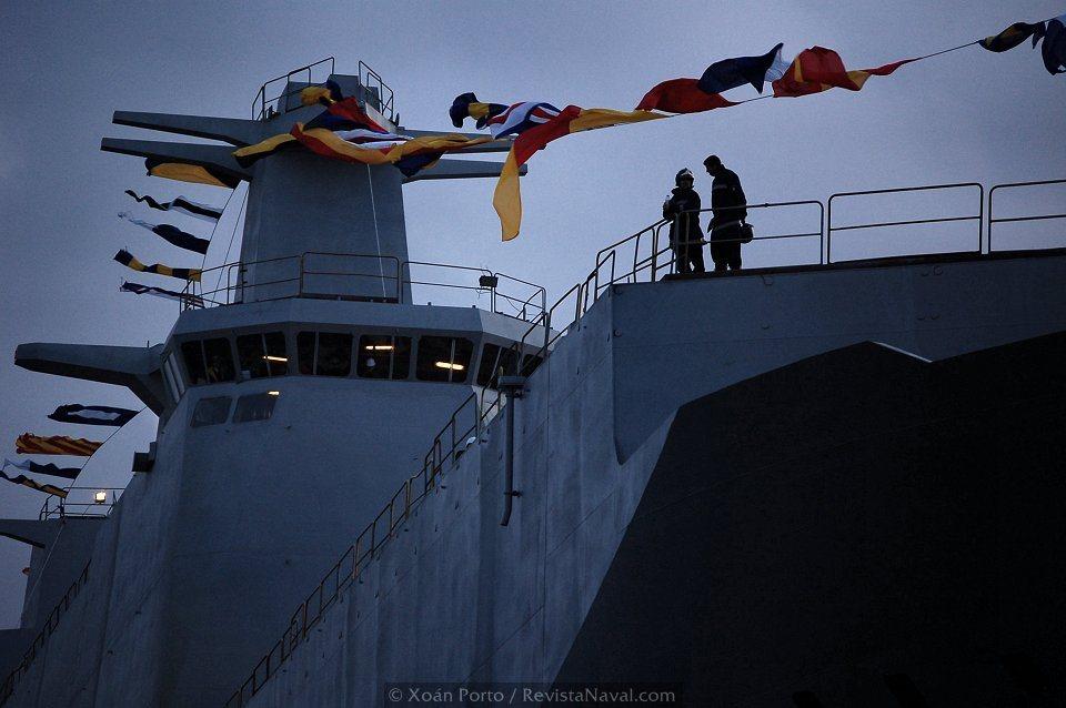 Detalle de la isla del buque (Foto: Xoán Porto/Revista Naval)