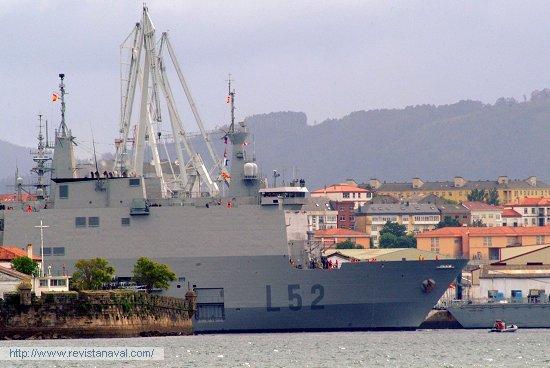 L-52 «Castilla», saliendo de la dársena (Foto: Xoán Porto/Revista Naval)
