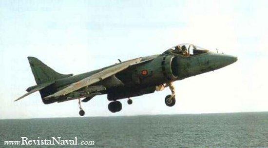 AV-8B en vuelo