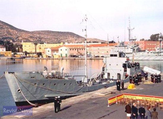 Panorámica del Arsenal de Cartagena con el buque en primer plano (Foto: Diego Quevedo Carmona).