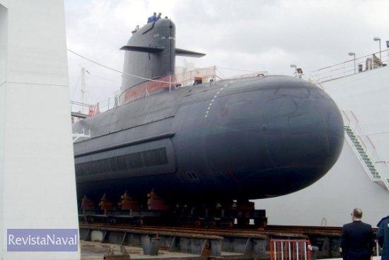 El submarino de la clase Scorpène volvió al dique flotante de Izar Cartagena para ser