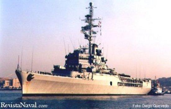 Entrado en servicio a comienzos de los años 60 del pasado siglo, el Jeanne d`Arc sirve en tiempos de paz como buque escuela para los oficiales de la Marine Nationale (Foto: Diego Quevedo Carmona).