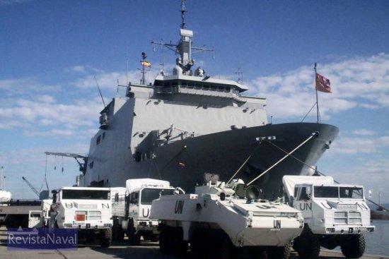 El buque de asalto anfibio L-52 «Castilla» en Cap Haitien (Foto: ORP Armada)