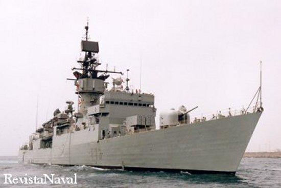 La tercera de las 5 fragatas de la clase llega al final de su vida operativa en el año 2003 (Foto: RevistaNaval.com).