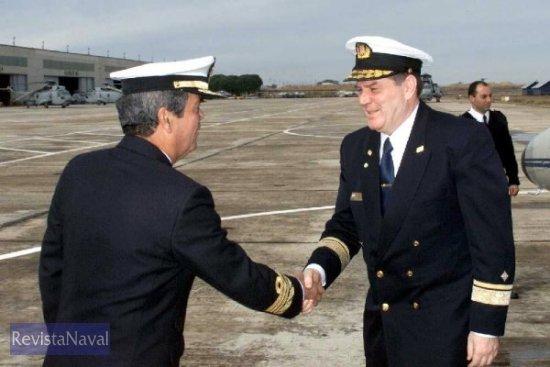 El ALFLOT Tello Valero saluda al Jefe de la Marina croata, Zdravko Kardum (Foto: Armada)