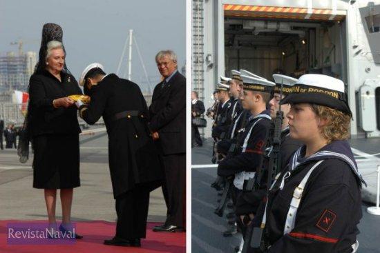 La infanta Doña Pilar entrega a su vez la bandera de combate al comandante de la fragata «Almirante Juan de Borbón», Manuel Garat Caramé / Guardia formada a bordo del buque (Fotos: Javier Sánchez)